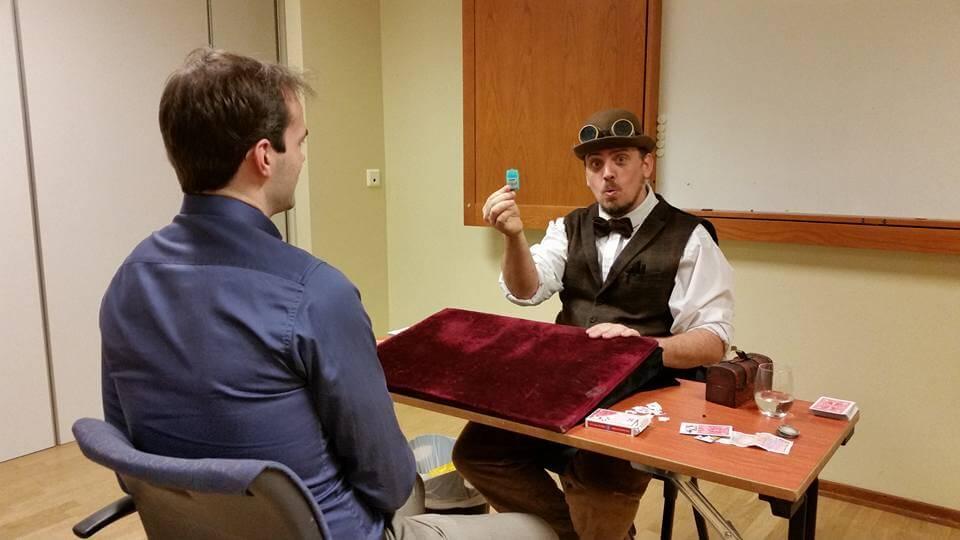 Tryllekunstner Matthew Wright holder lecture